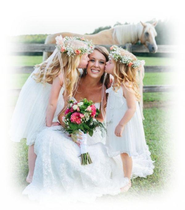 Une mariée et ses jolies bouquetières   ...