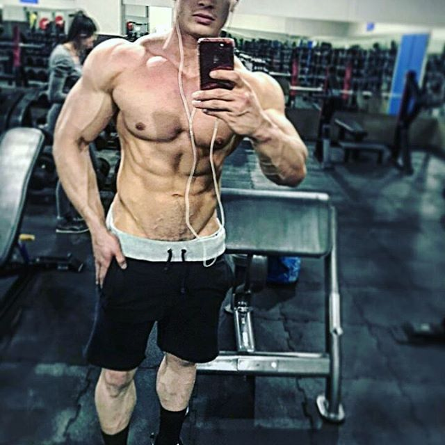 @reecespinola17_fit_model_👌💪 Just keeps looking better and better! 😎💪💪 __________________________________   #goals #nevergiveup #work #abs #bodybuilding  #motivation #fitness #shredded  #gymmotivation #fitspo  #success #fitness #bestrong #fitnish #abs  #fitbod #guyswholift #fitfluential