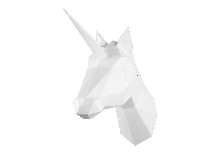 Voici un joli trophée cheval ou licorne blanc par Assembli à construire soi-même et à accrocher au mur pour faire jalouser vos invités ! Les trophées sont idéaux pour une chambre d'enfant ou pour le salon.