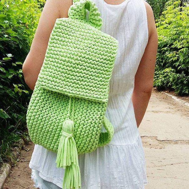 Рюкзак из трикотажной пряжи, цвет мохито, размер 23*35, без подклада.