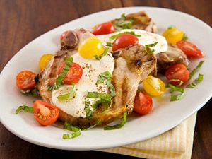 Smithfield Pork Chops are delicious simply grilled but adding fresh ingredients such as cherry tomatoes and basil makes this a perfect summer meal.: Smithfield Pork, Capr Pork, Pork Chops Recipes, Summer Meals, Grilled Pork, Porkchops Capr, Cherries Tomatoes, Grilled Caprese Pork Chops, Perfect Summer