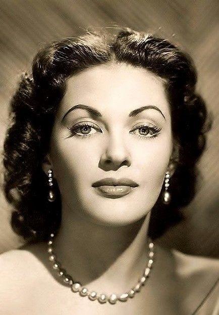 Yvonne De Carlo, 1950.
