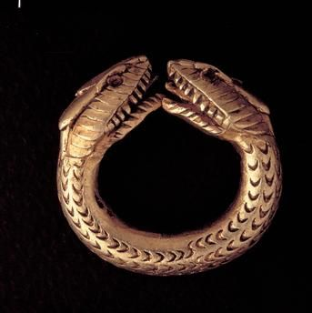 Ring with snake heads / Roman. Pompeii.                                                                                                                                                                                 Plus