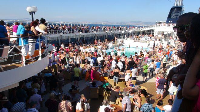 MSC Opera - crowded cruise deck