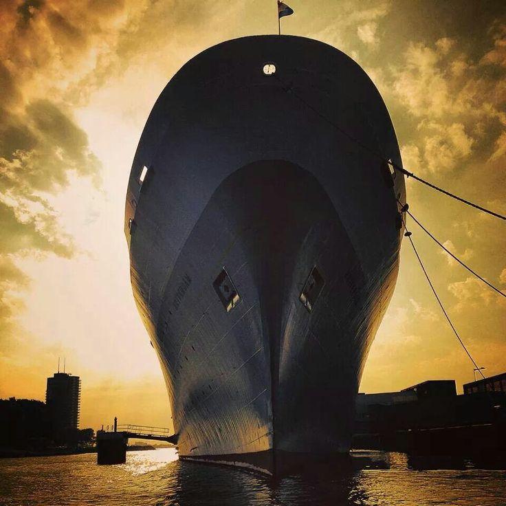 ss Rotterdam zonsondergang