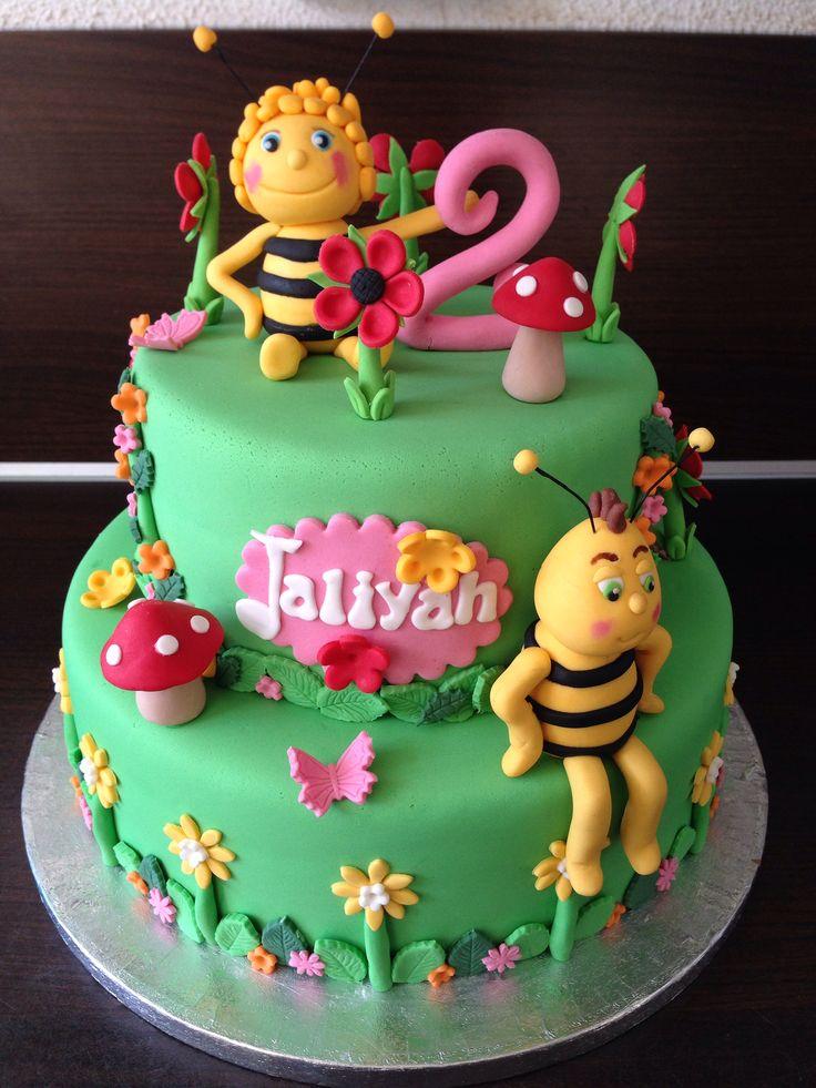 The bee movie birthday cake topper