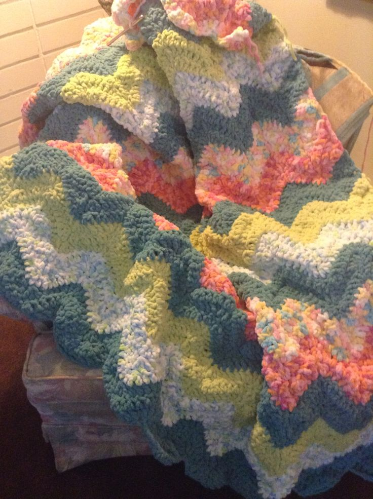 10 Images About Barnet Blanket Yarn Patterns On Pinterest
