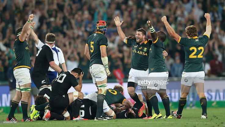 The South African Sprinboks celebrate at the final whistle during the Rugby Championship match between the South African Springboks and the New Zealand All Blacks at Ellis Park Stadium on October 4, 2014 in Johannesburg, South Africa.