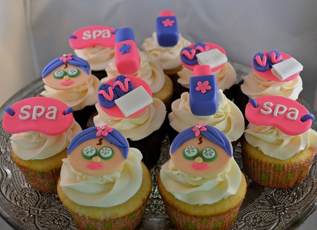 Spa themed cupcakes for girl's 10th birthday.