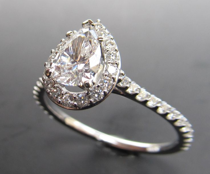 Pear Shaped Diamond Engagement Ring Your style: Minimalistic and modern. Your relationship: You guys like things simple and sweet.  Your wedding: There will be no fuss and frills at your wedding. #engagementring #diamond #rings #pearshaped