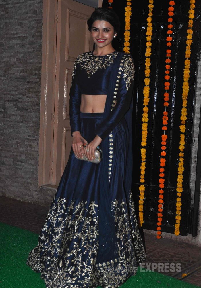 '#Bollywood' Actor @1PrachiDesai #Gorgeous curvaceous in am apt Midnight Blue #Lehenga. at Ekta Kapoor's 2014 Diwali Party (Pic: Varinder Chawla)