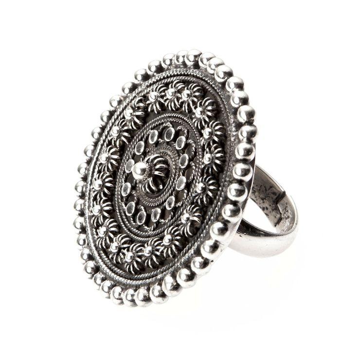 Inel rotund mare, floare granulată, argint, India