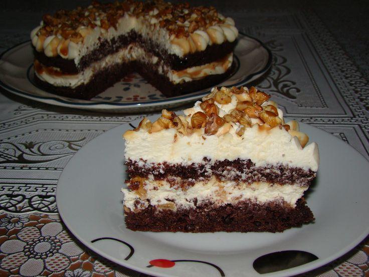 Prajitura cu nuca si caramel – Flori's Kitchen