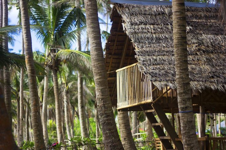 Lola Sayong's Surf Camp Photo by Jan Perry Louies Estocado — National Geographic Your Shot