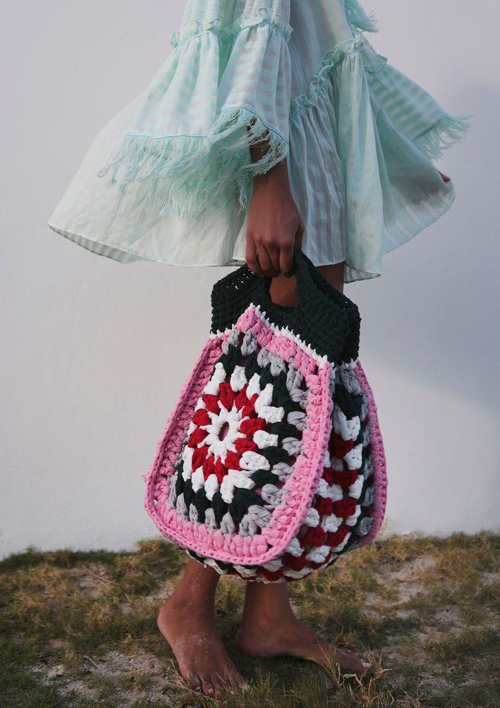Tote de praia de crochê-meu lado de praia (com imagens) | Bolsas de crochê, Tricô e crochê, Carteira de crochê