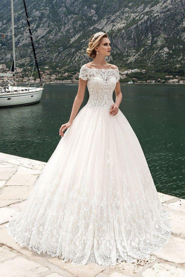 Robe de mariée dentelle et broderie style princesse
