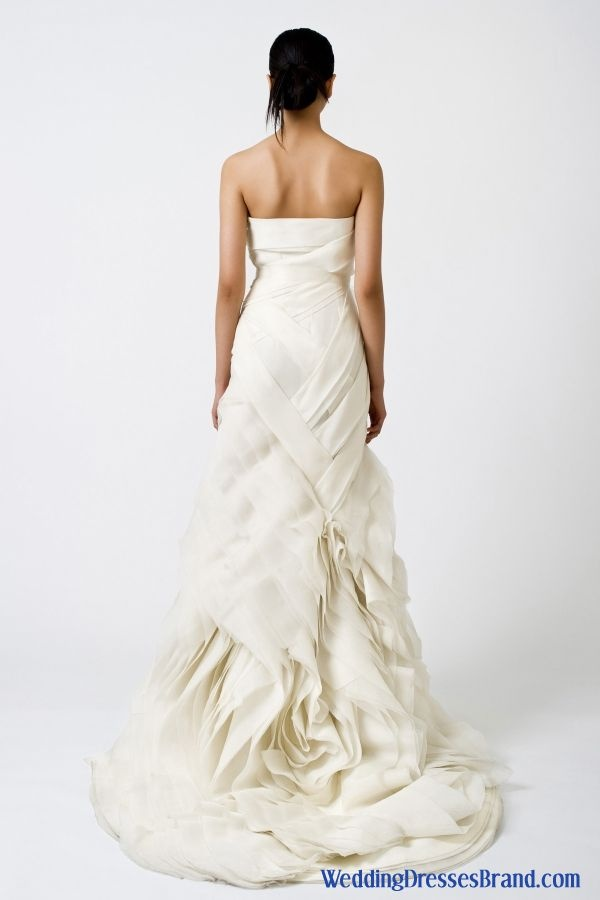 39 best images about vera wang bridal gowns on pinterest for Alexander wang wedding dresses