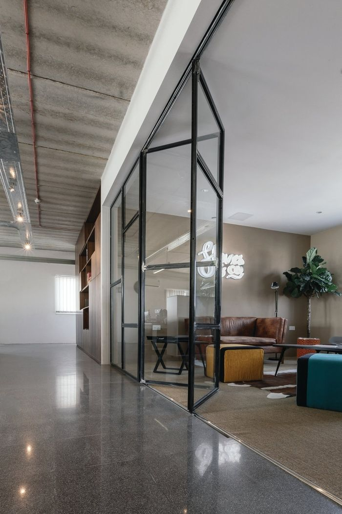 Best 25+ Industrial office design ideas on Pinterest ...