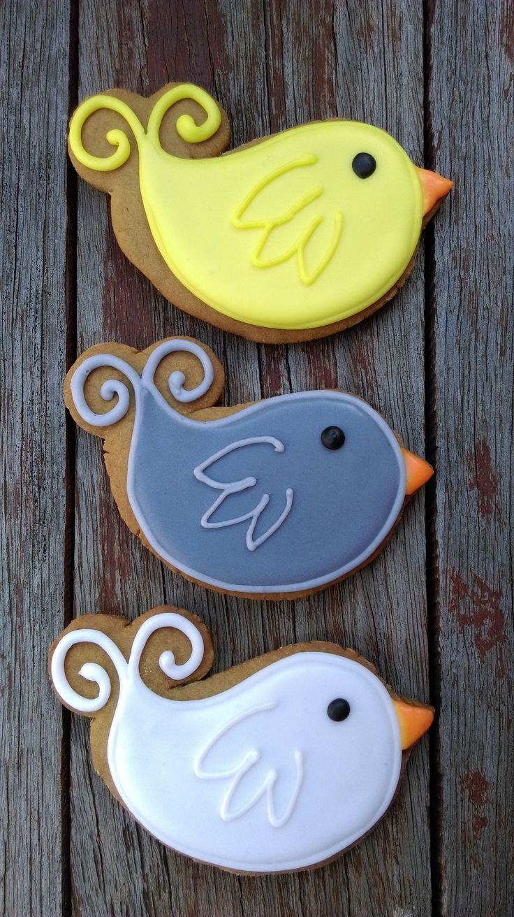 Little birds - inspired by similar biscuits from 'Cookies with Character' (https://www.facebook.com/pages/Cookies-with-Character/216082438437841) , however, I had to hand-cut mine as I didn't have access to the correct cutter. Gingerbread with royal icing.