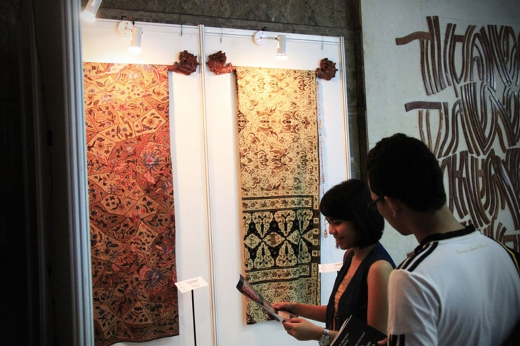 Well preserved and passed down for generations, the realm of Batik is more than justa mere artform,sinceit carries deep philosophicalconceptsin the heart of Indonesians.
