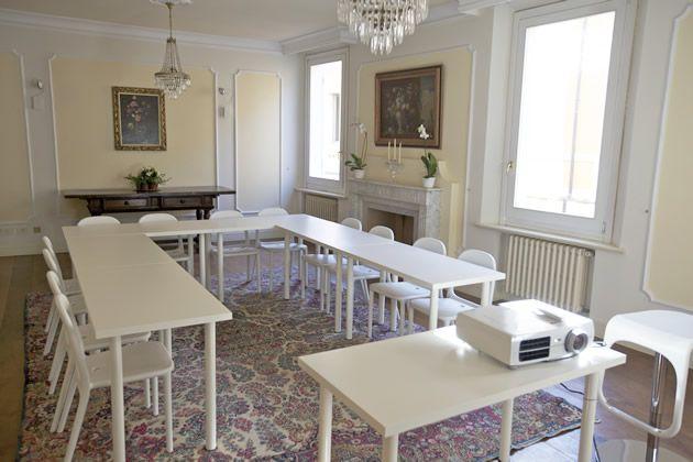 Sala meeting disponibile per affitto presso B&B Al Teatro, via Guaccimanni 38, Ravenna (RA)
