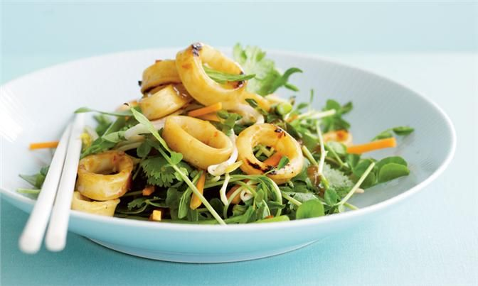 The perfect all year round Stir - Fried Chilli Plum Calamari With Crunchy Vegetable Salad from our online Total Wellbeing Diet program.