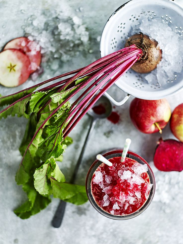 james moffatt photography Apple & Beetroot juice #juices #ice #colddrinks #smoothies #drinks #refreshing #healthy #health #food #editorial