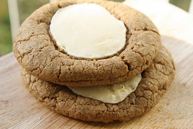 Gingerbread cheesecake cookies..gotta try these!