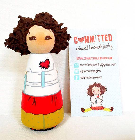 Aangepaste houten pop / kleine bedrijfsmerk / mascotte / Logo / visitekaartje Display / moderne houten speelgoed / houten beeldjes / Peg Doll