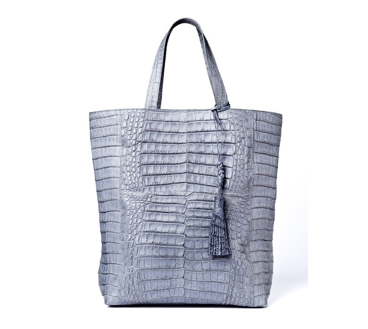 Sac #Crocodile #Handbag.  Handmade in Colombia.  Sleek and modern version of a classic, this bag is a hit in your style.  Two organizational pockets and two top flap handles.  $1875