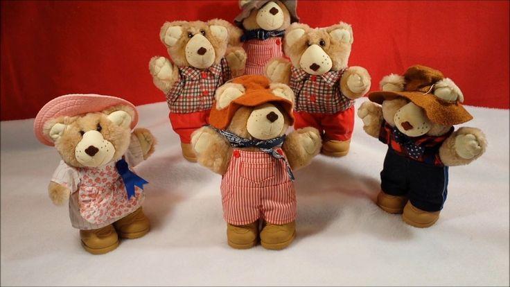 1986 Wendys Xavier Roberts Furskin bear plush toy collection