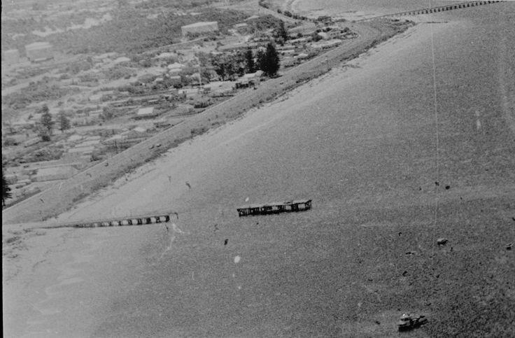 129261PD: Esperance town and jetty, ca 1935 http://encore.slwa.wa.gov.au/iii/encore/record/C__Rb3926677?lang=eng