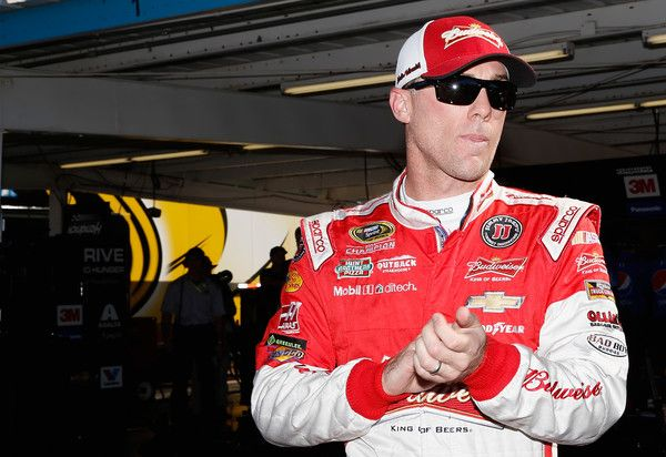 Kevin Harvick Photos Photos - Kevin Harvick, driver of the #4 Budweiser/Jimmy John's Chevrolet, stands in the garage area during practice for the NASCAR Sprint Cup Series Quicken Loans Race for Heroes 500 at Phoenix International Raceway on November 13, 2015 in Avondale, Arizona. - Phoenix International Raceway - Day 2
