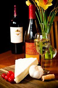 Сыр подают к вину