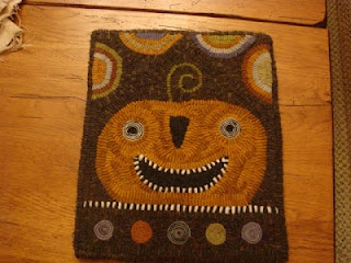 MY GLORY STARS; Star Rug Company: Glories Stars, Rugs Hooks, Pumpkin, Beautiful Wool, 2 Hooks Rugs Underfoot, Primitive Hooks, Stars Rugs, Autumn Colors, Design Layout