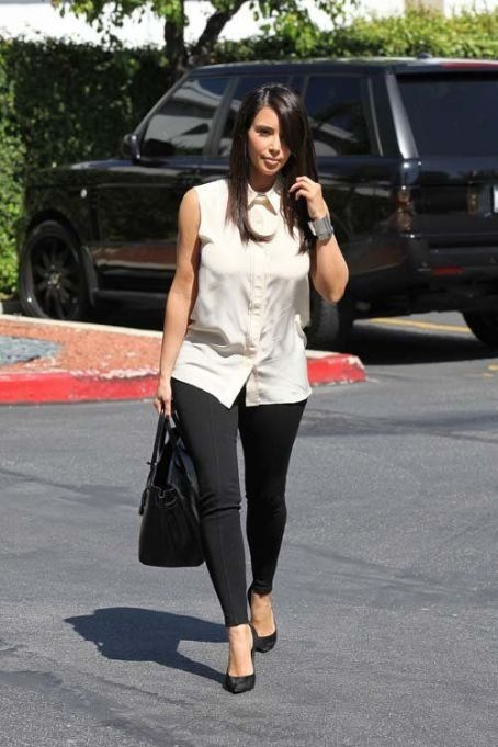 Kim Kardashian Fashion and Style - Kim Kardashian Dress, Clothes, Hairstyle - Page 5