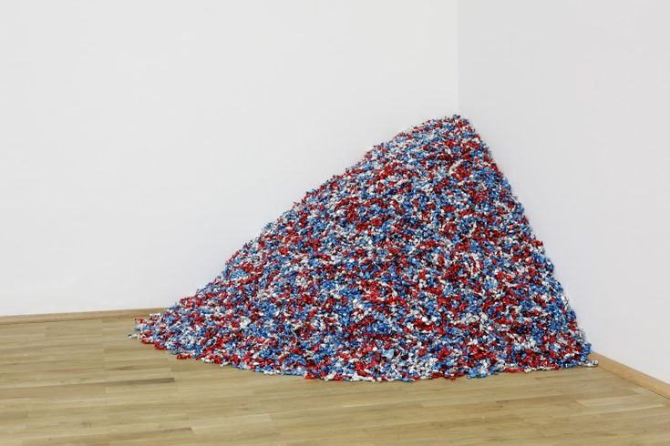 "Feliz Gonzales Torres- ""Portrait of Ross"", the candy pieces weigh the same as his lover who passed away. you are welcome to a piece :)"