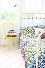 Dessus-de-lit à empiècement en brocart chez Urban Outfitters