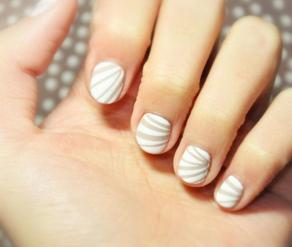 Cool Stripe Nail Art. http://hative.com/cool-stripe-nail-designs/