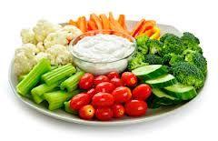 rauwe groenten met gezond dipsausje op basis van magere kwark (platte kaas): een aanrader!