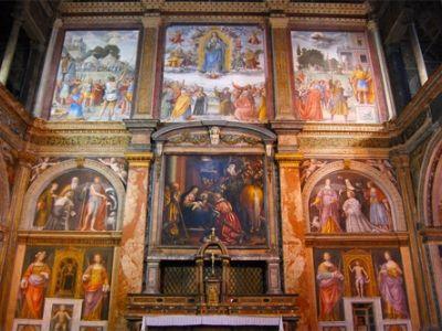 Una volta sede del più importante monastero femminile della città, la Chiesa di San Maurizio al Monastero Maggiore è una suggestiva chiesa rinascimentale costruita su progetto di Giovanni Giacomo Dolcebuono nel 1503, sulle rovine di un`antica chiesa annessa al monastero, il quale fu demolito nel 1799.