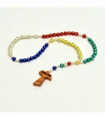 Rosario Misionero, cada color representa un Continente.