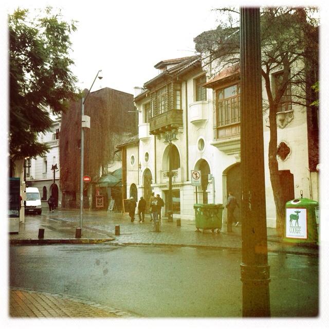 Barrio Lastarria, en una tarde con lluvia