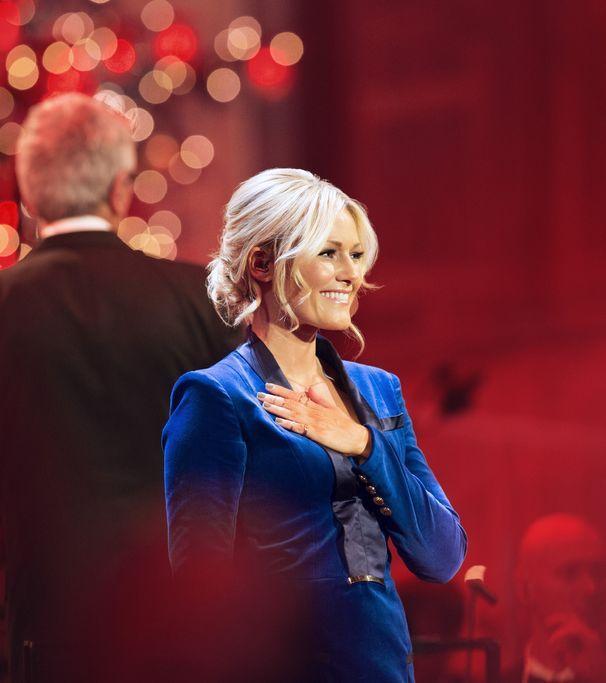Helene Fischer - Weihnachten 2015- Schöneres zu Weihnachten gibt es nicht :)