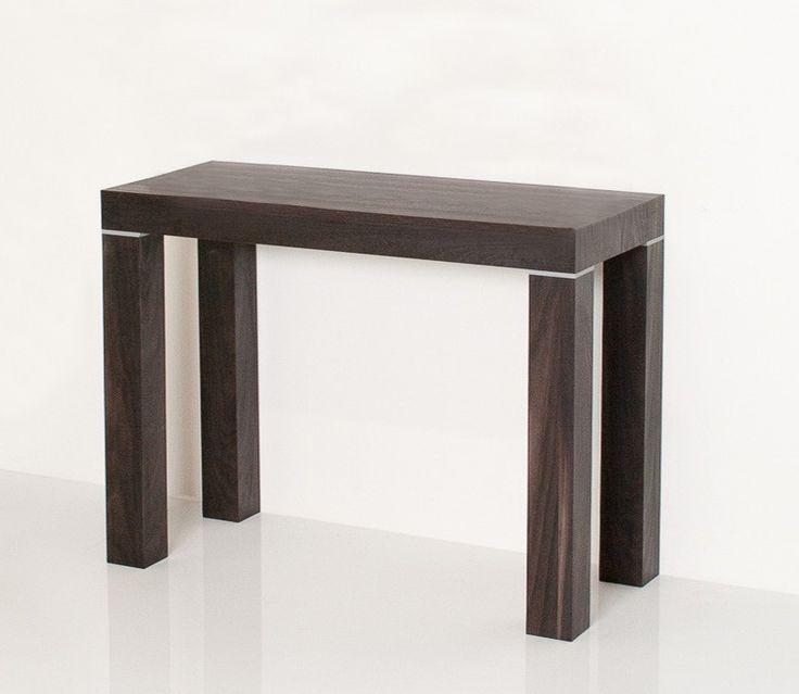 LIDIA - Consolle in legno dal #design semplice ed elegante, è un ottimo complemento d'arredo, che in pochi secondi si trasforma in un #tavolo consolle #allungabile fino a 300cm, grazie alle 5 prolunghe, ognuna di 50 cm.  #tavoloallungabile #consolleallungabile