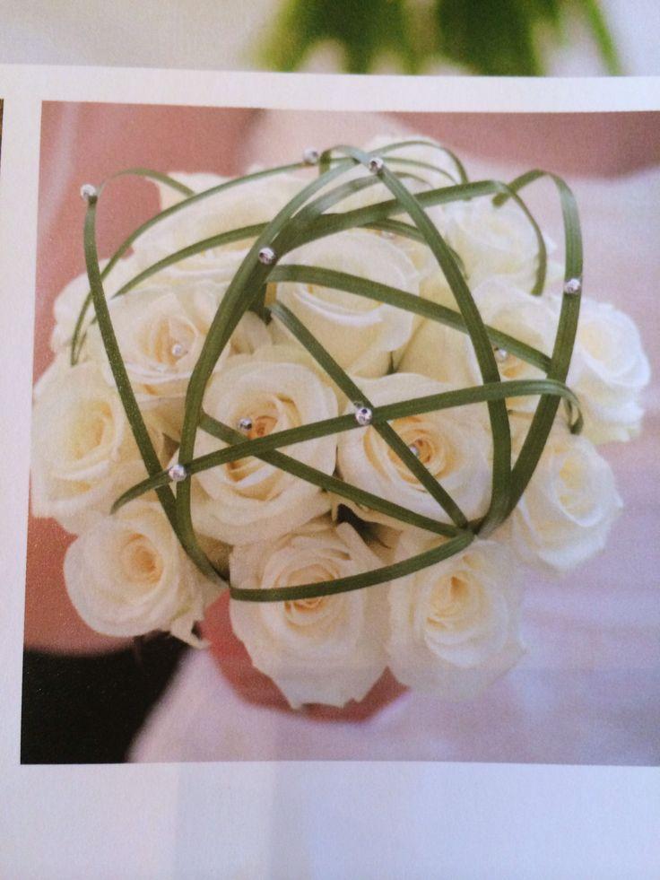"""White roses wedding bouqet hvite roser from the book """"Til bords - livets store anledninger"""". By Finn Schjøll og Tone Solberg"""