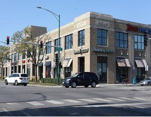 CBRE Puts Chicago Retail Property on the Market