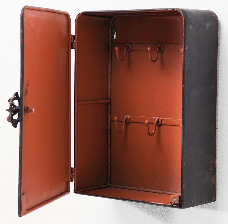 die besten 25 safe tresor ideen auf pinterest geheime waffe lager versteckte pistolen zimmer. Black Bedroom Furniture Sets. Home Design Ideas