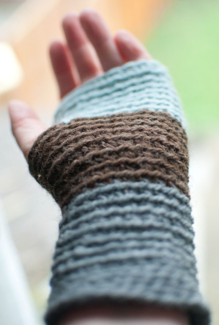 Crochet Wristwarmers / Fingerless gloves. £22.00, via Etsy.