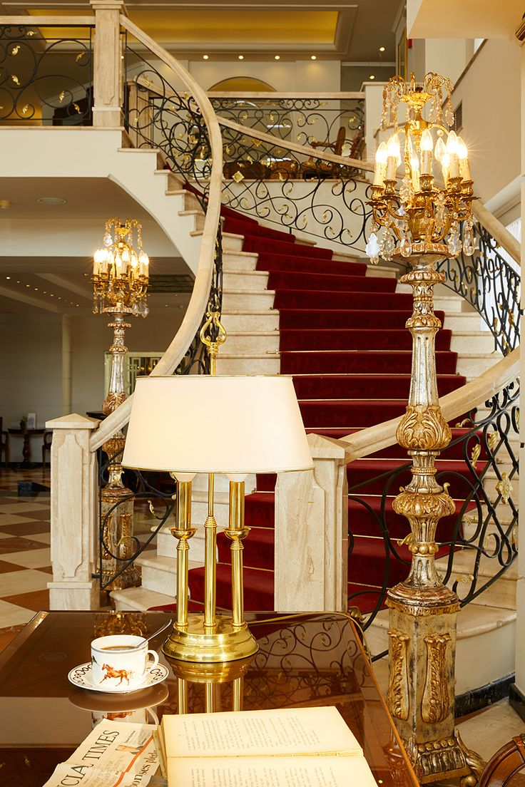 Our marble stairway - odeal for wedding shootings!